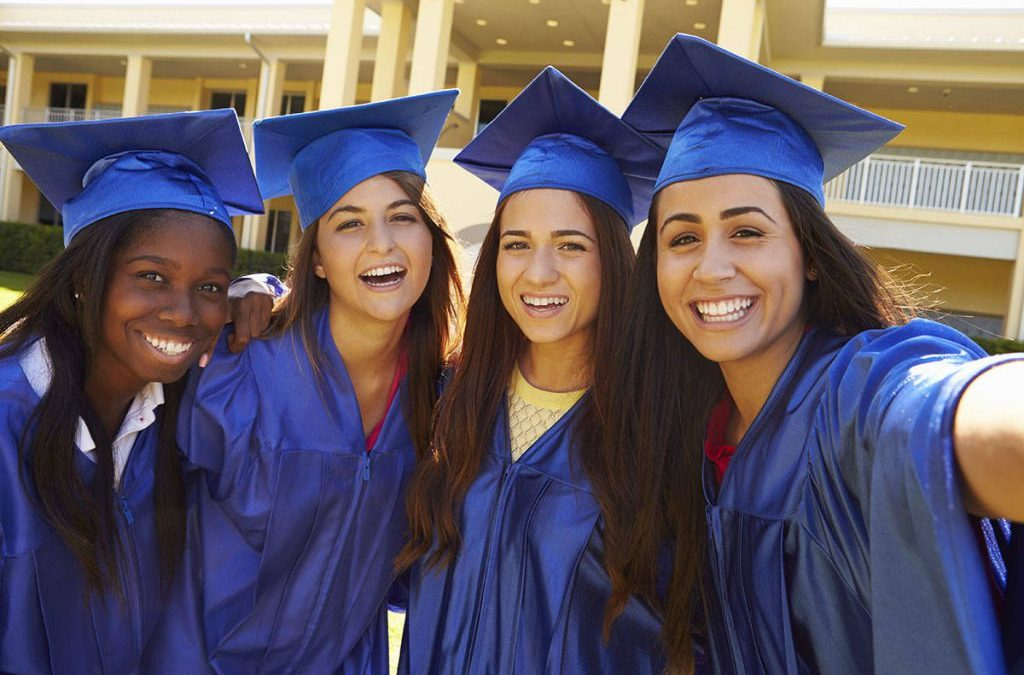 The Best Graduate Scholarships For Women As Of 2021